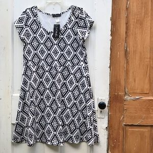 French Atmosphere black and white dress Size 2X